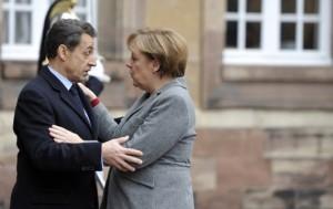 Nicolas Sarkozy et Angela Merkel à Strasbourg le 24 novembre 2011 (E. FEFERBERG/AFP)